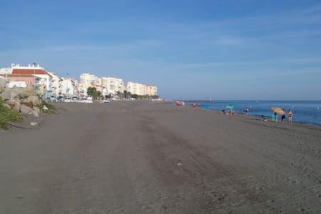 Beach House - Caleta de Vélez - Apartamento
