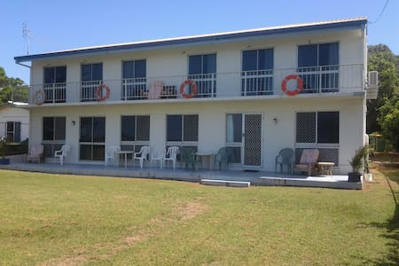 Forrest Beach Retreat - 4 Person Room 2 - Forrest Beach - Boutique-hotell