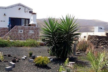 Bonita casa rural en Órzola-Haría - Orzola - Casa