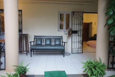 A 1 bedroom  apt in a gated complex - Apartment