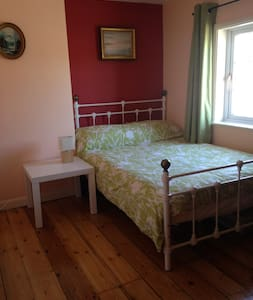 Cosy character cottage in the town centre - Talo