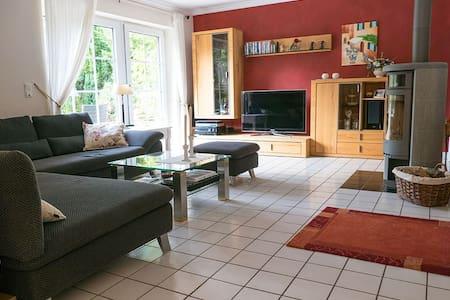 Haus  145 qm am  Stadtrand von Hamburg - Casa