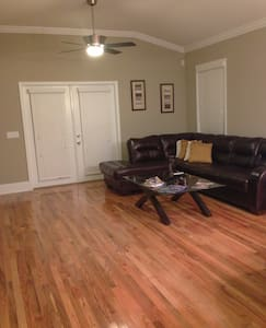 Modern Home in the Capital City R1 - Tallahassee - Maison
