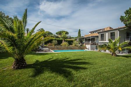 Villazzo Villa Nancy - Saint-Tropez