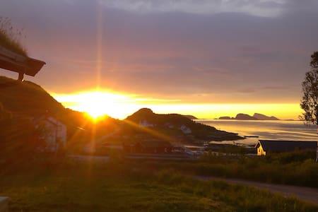 Laukvik Senja - Laukvik på Senja i Lenvik kommune Troms fylke, Nord-Norge - Kabin