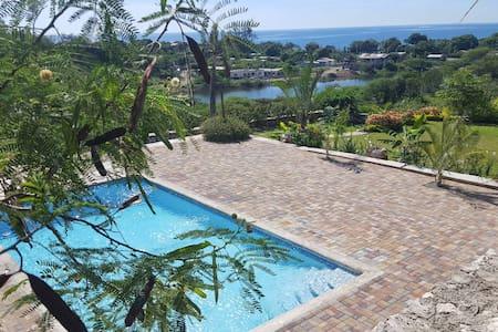 Beautiful Ocean View Kingston Villa Island Oasis - Kingston - Casa de camp