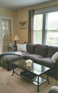 Newly Renovated 6- Room Apartment - Appartamento