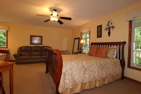 Serenity Suites Room 4 - Bed & Breakfast