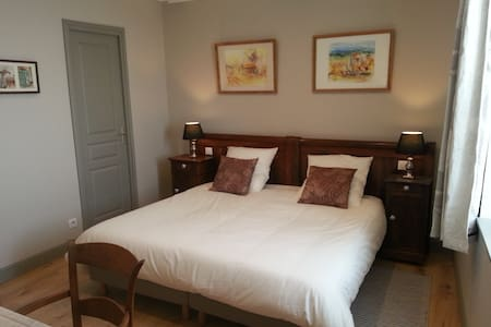 Chambre FERNANDE Relais St Jacques - Bed & Breakfast