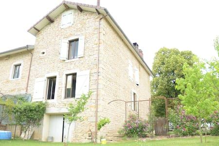 Gîte en Petite Montagne du Jura - Appartamento