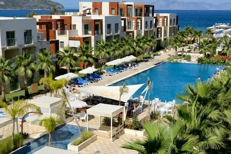 LUXURIOUS 2 BED MODERN RESIDENCES AND SUITES HOTEL - Apartment