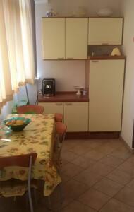Appartamento ad Anzio 5 posti letto fronte mare - Apartment