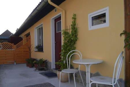 Kleines Appartement für 1 bis 2 Personen - Apartment