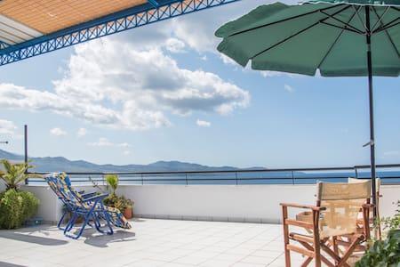 Studio γκαρσονιέρα με θέα θάλασσα - Kalamata