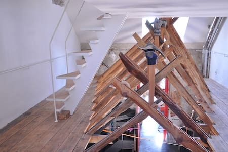 Architecture insolite,  oeuvre d'art : LA THELEMA. - Boulogne-sur-Mer