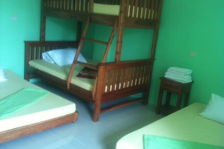 Family Accommodation in Vigan - Daire