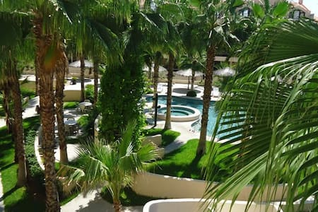 Hotel Zone- Steps from the Beach & Historic Center - San José del Cabo - Condominium