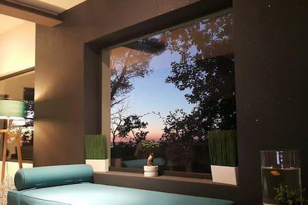 Villa au cœur de la Pinède avec opt°coucher soleil - Vila