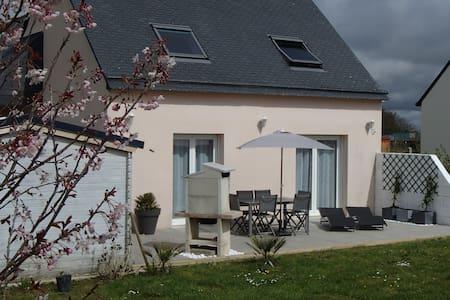 Maison à la campagne près de la mer - Talo