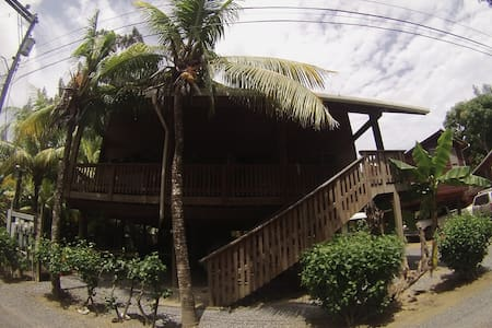 Stunning bungalowhouse in the oceanside of Roatan! - Roatan - Bungalow