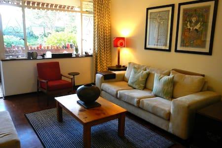 Spacious & Secure Rosebank Home - Apartemen
