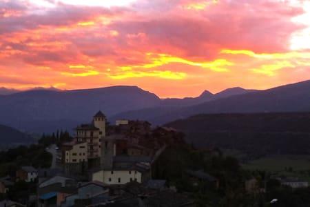 Lloga el teu pis al Pirineu Català - Apartment