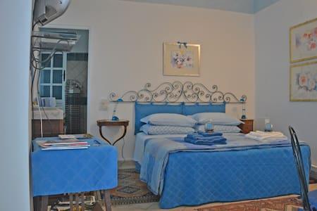 Altoblu, tra cielo e mare - Junior Suite Cielo blu - Ventimiglia