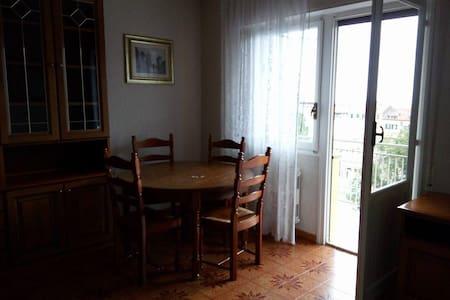 2 pièces à 900m de la plage, 350€ par semaine - Ventimiglia - Appartement