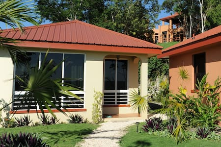 Villa Cayo#4 Affordable Luxury-A/C-Internet-Movies - Daire