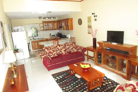 The Residence Portmore Suite 1 - Portmore - Daire