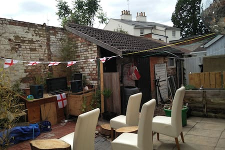 Cottage one minute from Leighton Buzzard station - Leighton Buzzard - Casa