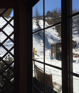 More than ski-in ski-out in HAKUBA - Kitaazumi  - Bed & Breakfast