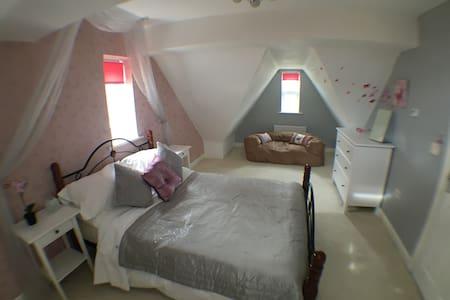 Deluxe top floor apartment - Seluruh Lantai
