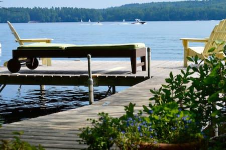 Idyllic lakefront cabin - Cabanya