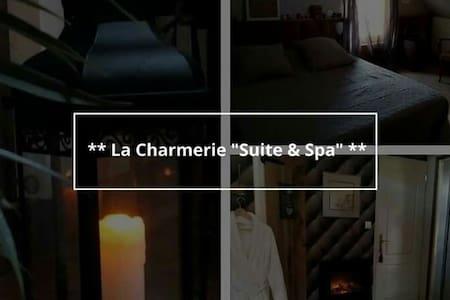 """* * * La Charmerie """"Suite & Spa"""" * * * - Guesthouse"""