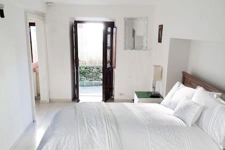 Traditonal Italian 1 bed apartment - Stresa