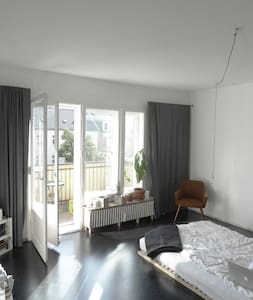 Sunny flat in Kreuzberg - Berlin - Apartment
