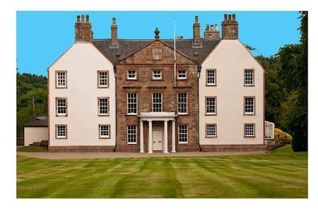 b & b in rural historic house - Arbuthnott - Bed & Breakfast