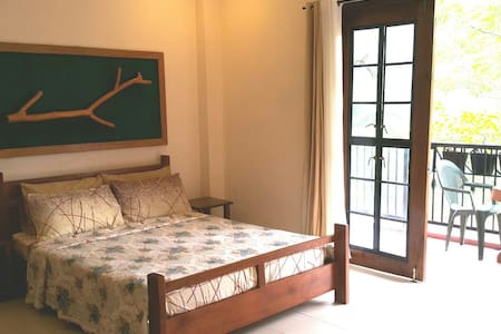 Recuperate at the Heritage House's Masters Room - Cebu City - Casa