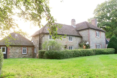 Charming family home in South Downs - West Sussex - Huis