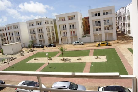 une chambre dans un appartement - Dakar - Huoneisto