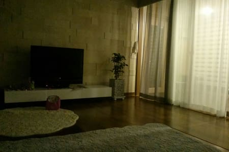 복층 다락방과 옥상 바베큐장이있는 펜트하우스복층아파트^^ - House