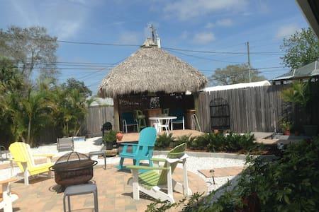 Great Tropical Get-Away!! - Ház