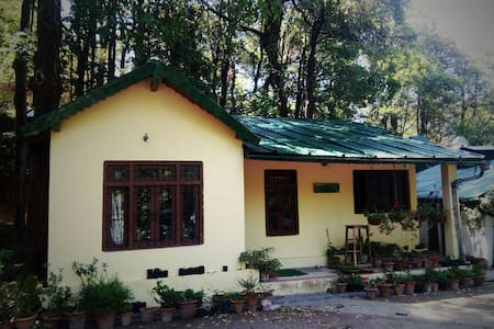 Hutton Cottage Annex, Nainital - Haus