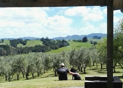 Charming Olive Grove, Private 2 bedroom Wing - Warkworth