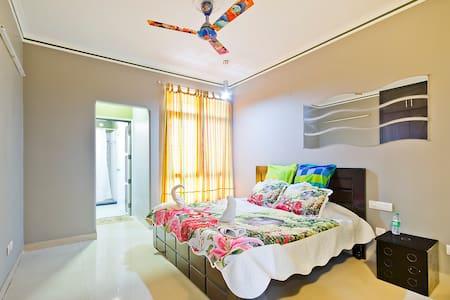 Oro Homes Luxury Flat - Greater Noida