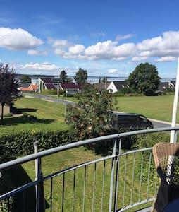 Flot udsigt udover Roskilde fjord. - Roskilde - House