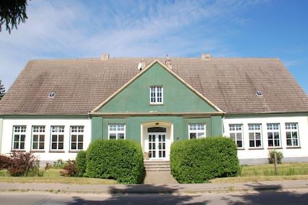 Alte Dorfschule Dolgen - Feldberger Seenlandschaft