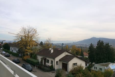 Flat with city view - Oberengstringen