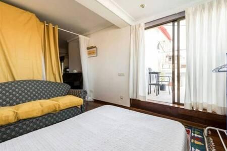Big/shiny room - Schwerin - Apartmen